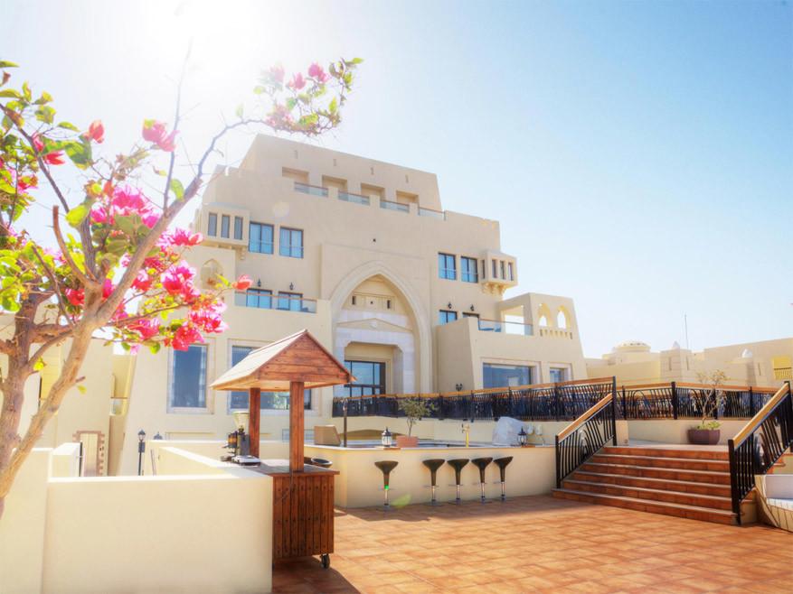 Verblijven in een luxe resort © Radisson Blu Tala Bay Resort