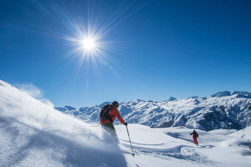 Ondanks alle diversiteit, komen de meeste gasten nog altijd om te skiën. © Les Menuires / Gilles Lansard