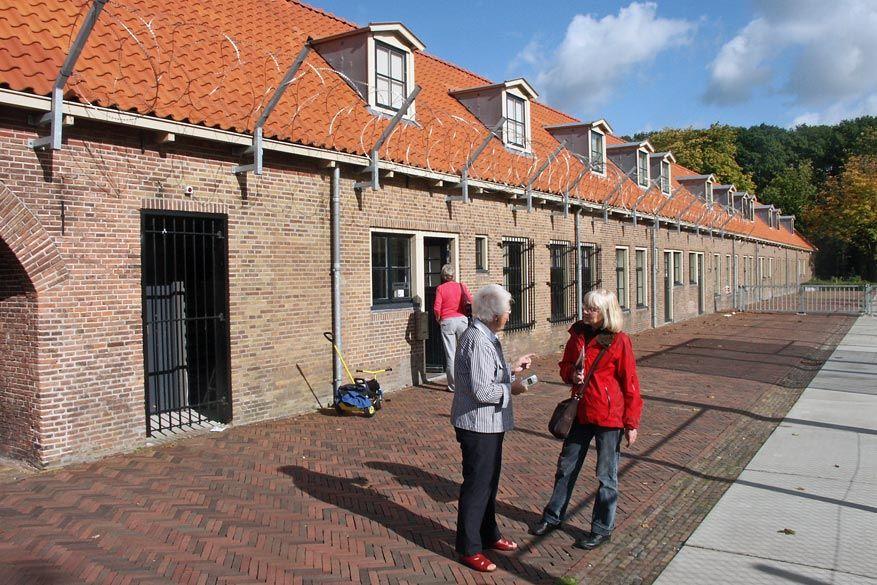 Joekje vertelt over de gevangenis in Veenhuizen. © Frans Oyen
