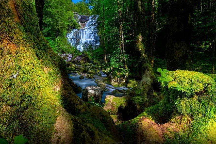 De watervallen van Hérisson