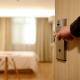 Van een te klein bad tot oud eten: de top tien slechtste hotelkritieken