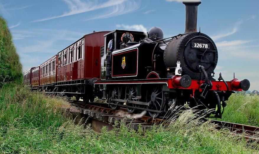 In Tenterden laat je je vervoeren met een stoomtrein! © Visit Kent via Flickr