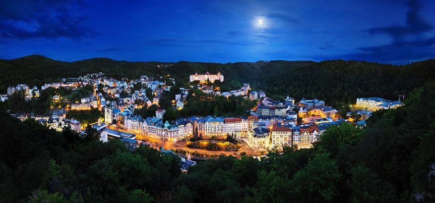 Uitzicht op Karlovy Vary