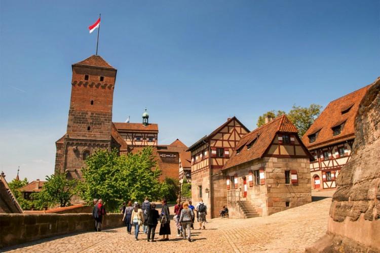 1. Kaiserburg: deze immense burcht staat in Neurenberg. De Kaiserburg werd gebouwd rond het jaar 1000. Het keizerlijk hof verbleef in de middeleeuwen voor lange tijd in deze burcht. © Norman Z via Flickr Creative Commons