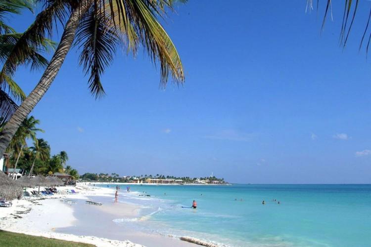 3. Palm/Eagle Beach, Aruba: Aruba is een eiland rijk aan cultuur en natuur. Zowel Eagle Beach als Palm Beach zijn heel geliefd onder watersporters en strandtoeristen. © Wikimedia Commons