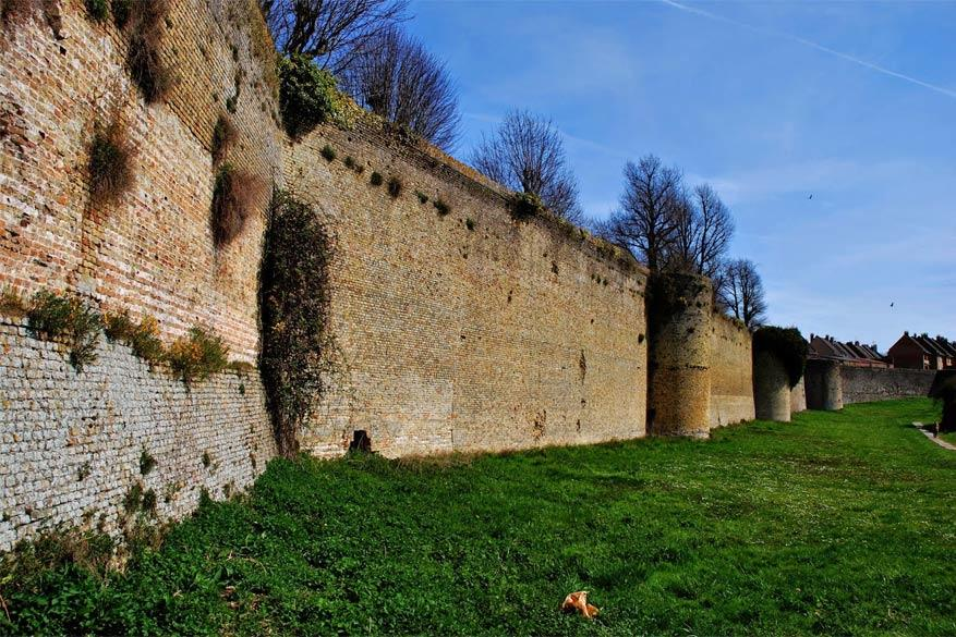 De stadsomwalling van Bergues. © Histoire du Nord