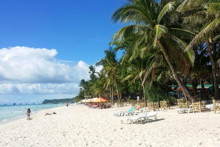 2. Boracay, Filipijnen: slechts 7,5 kilometer lang en 700 meter breed, maar het kleine eilandje is een van de belangrijkste toeristische bestemmingen binnen de Filipijnen. Baracay heeft verschillende prachtige stranden. © Pixabay