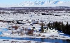 Actieve geisers en ruige watervallen in land der Vikingen