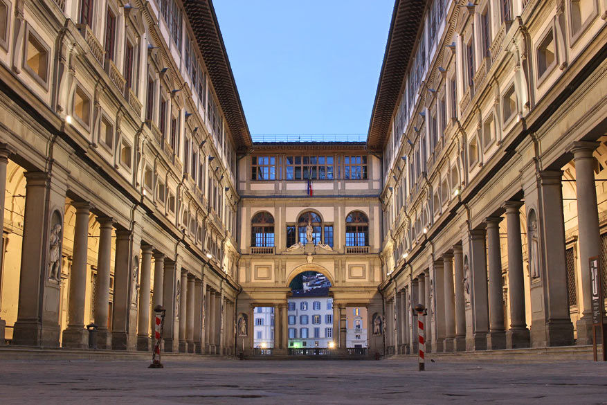 Alleen al de buitenkant van de Galleria degli Uffizi is het zien waard. © Pixabay