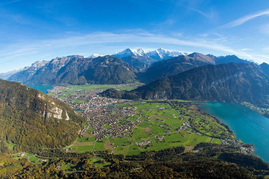 Interlaken vanuit de lucht. © Toerisme Zwitserland