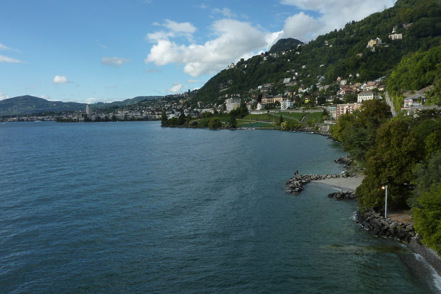 De eerste stop op weg met de trein door Zwitserland bevindt zich in Montreux. © Bruno Loockx