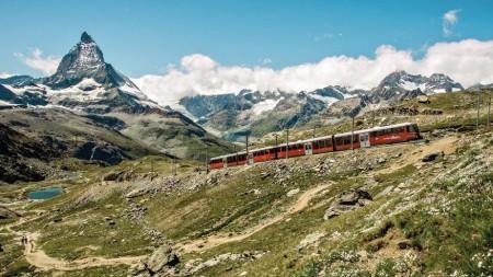 Treinen door Zwitserland: de Matterhorn als gids naar Italië