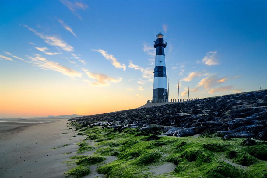Breskens: de vuurtoren aan het strand. © Omroep Zeeland