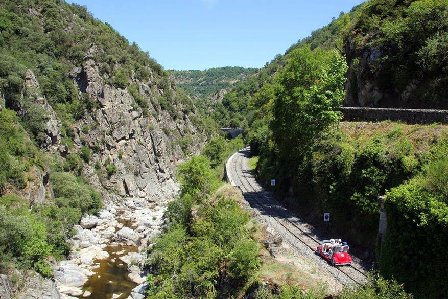 La Vallée des Doux Gorges. © Train de l'Ardèche