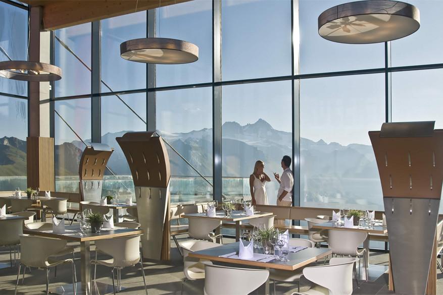 Het restaurant verwent met sterreneten. © Adler Lounge