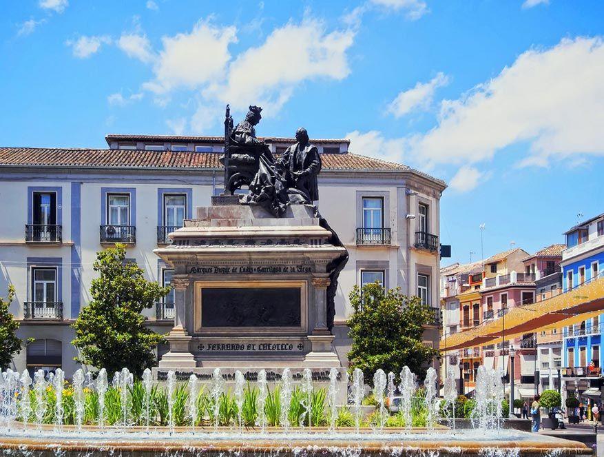 Plaza Isabel la Catolica. © Karol Kozlowski