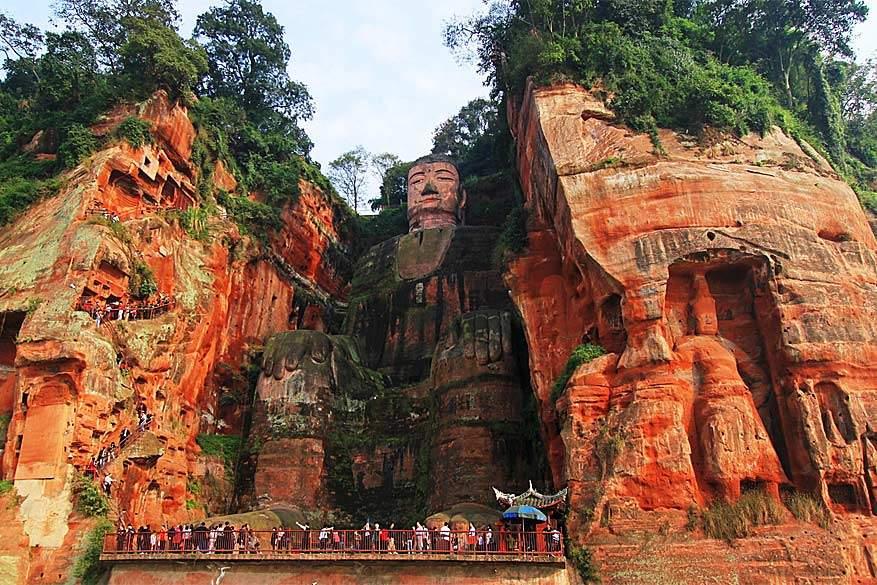 Dwars door China: de grootste boeddha ter wereld staat in Chengdu.
