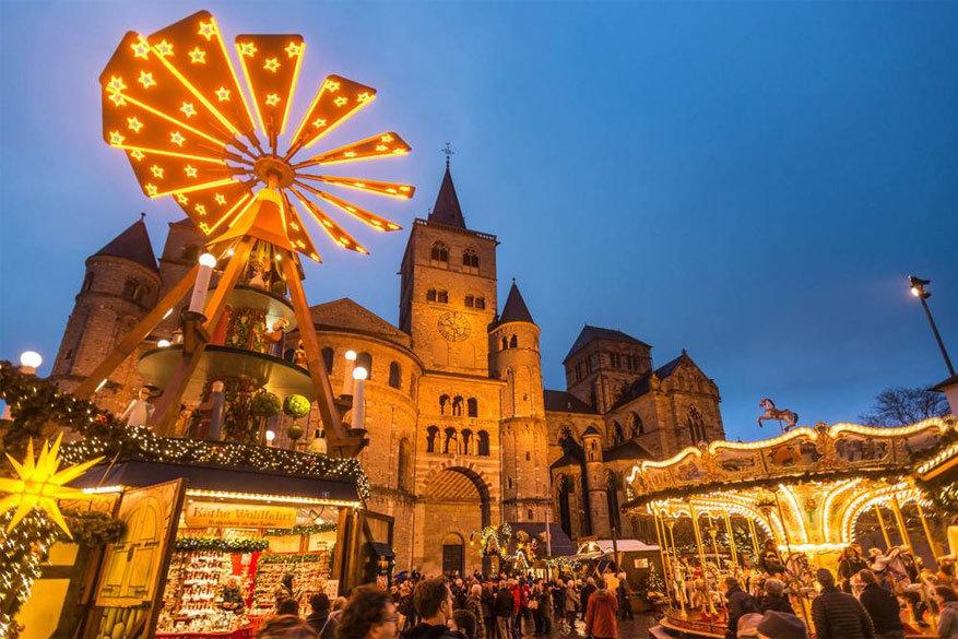 In verschillende stadjes aan de Moezel kun je de kerstsfeer gaan opsnuiven © gastlandschaften.de