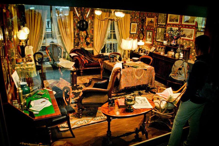 Binnenkijken bij Sherlock Holmes.