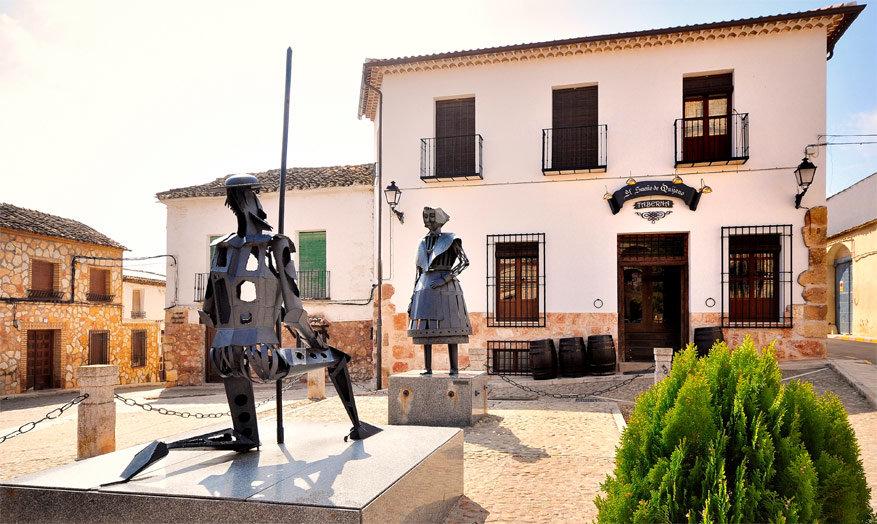 Cervantes en zijn muze Dulcinea. © Escapada Rural