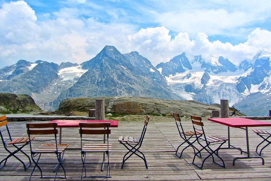 Sankt Moritz en Engadin: genieten op een terras tussen de bergen