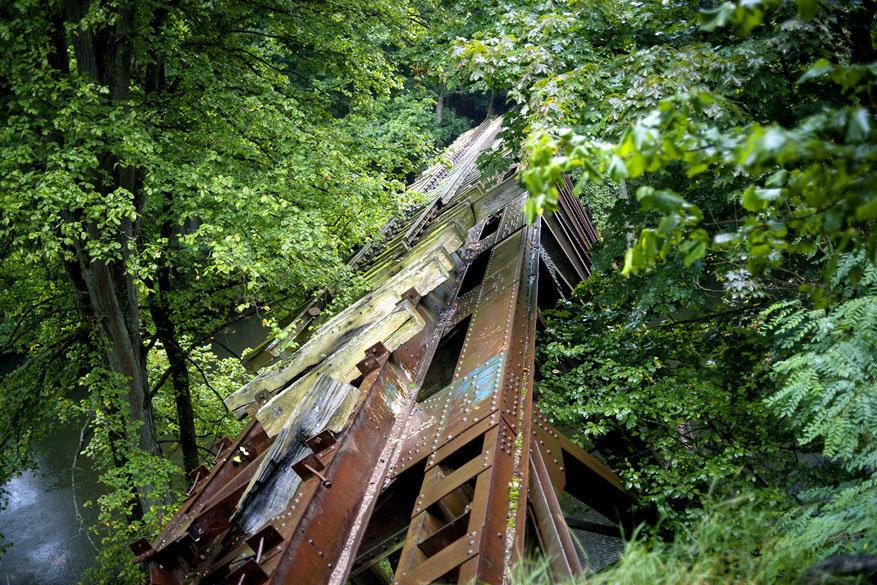 Wielkopolska: restanten van een oude spoorwegbrug