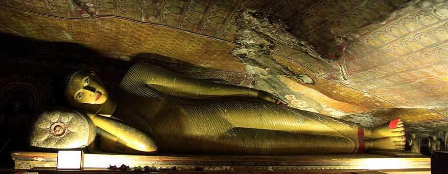sri-lanka-dambulla-liggende boeddha