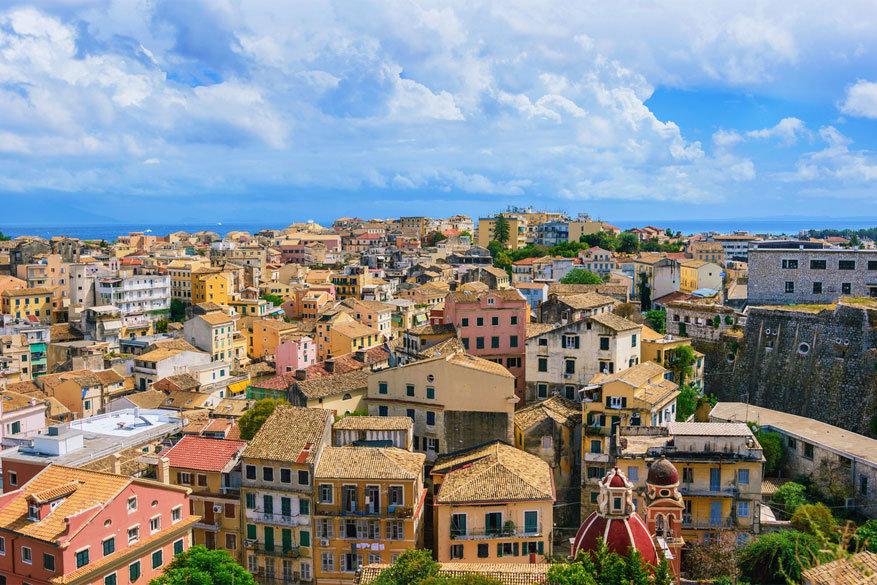 Korfoe: waar de gevels niet wit en de daken niet blauw zijn