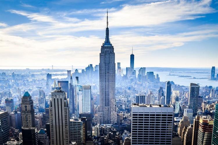 Empire State Building in New York, Verenigde Staten: een legendarische trekpleister voor bezoekers van de Big Apple en een icoon voor Amerika. Het werd gebouwd in 1931, telt 102 verdiepingen en is met z'n 381 meter het op een na grootste gebouw in de stad. Die eer is weggelegd voor het nieuwe One World Trade Center. Al is het uitzicht vanop het Empire State Building niet minder de moeite. © Peter Moorey