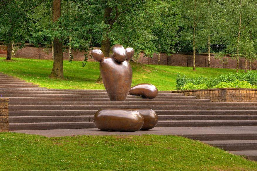 Kunst kijken in het park: Sonsbeek in Arnhem, Nederland