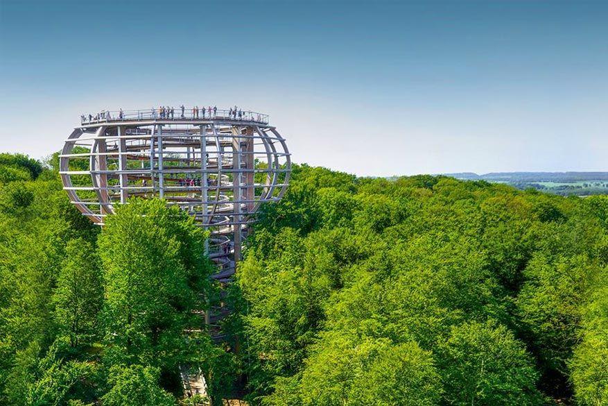 In Rügen kan je een spiraalwandeling maken tot in de kruinen van de bomen