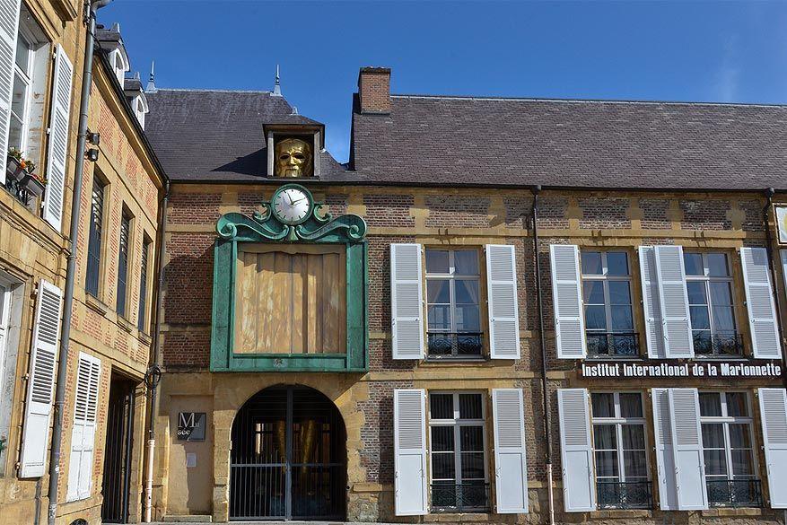 Franse Ardennen: het Horloge du Grand Marionnettiste