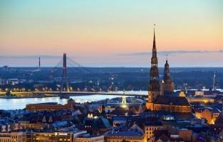 4. Riga, Letland. Ter vergelijking: twee overnachtingen kosten hier evenveel als één ritje in de Londen Eye, namelijk rond de 14 euro. Je vliegt er bovendien ook erg voordelig naartoe en zelfs in de stad reis je spotgoedkoop van punt A naar punt B. Niet minder dan 5 euro hoef je neer te tellen om er 48 uur lang het openbaar vervoer te gebruiken. Cultuurfan? Hier bezoek je een museum al voor 3 euro. © Gelio Photo