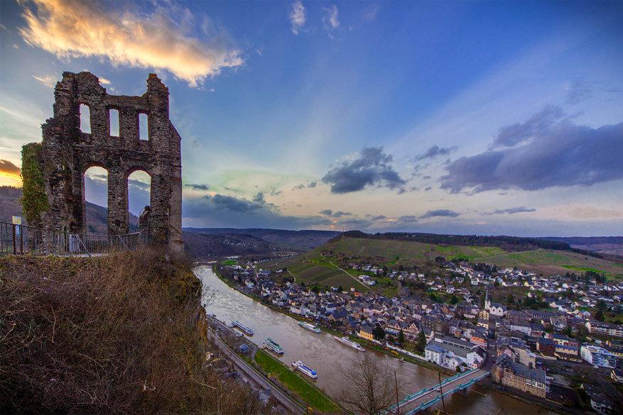 Grevenburg met zicht op de stad