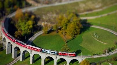 Zwitserland opent langste treintunnel ter wereld