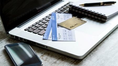 Het hotel boeken: online of via reisbureau?