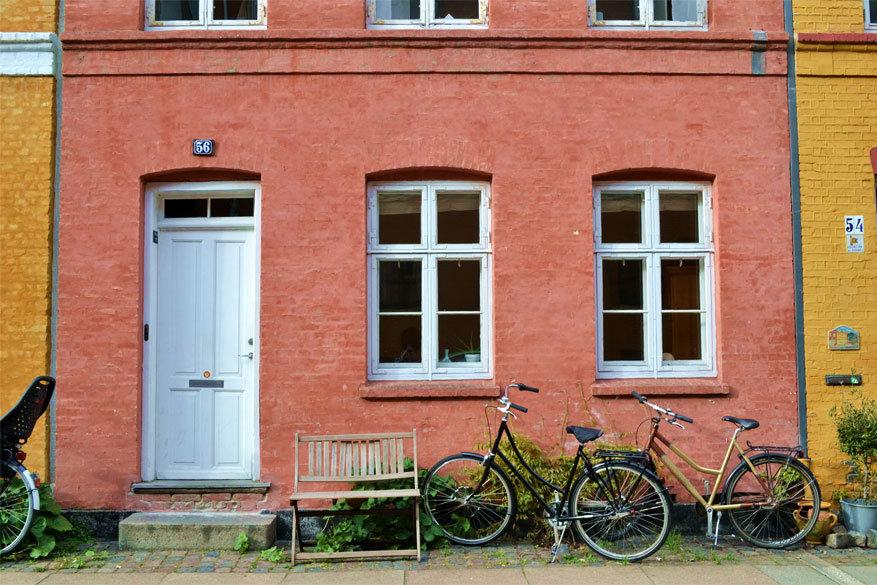 Kopenhagen: waar de fiets gewoon tegen de gevel blijft staan
