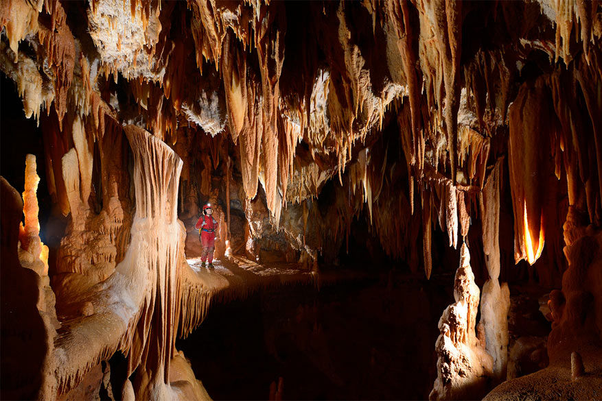 Grotte de la Toussaint (Gard)