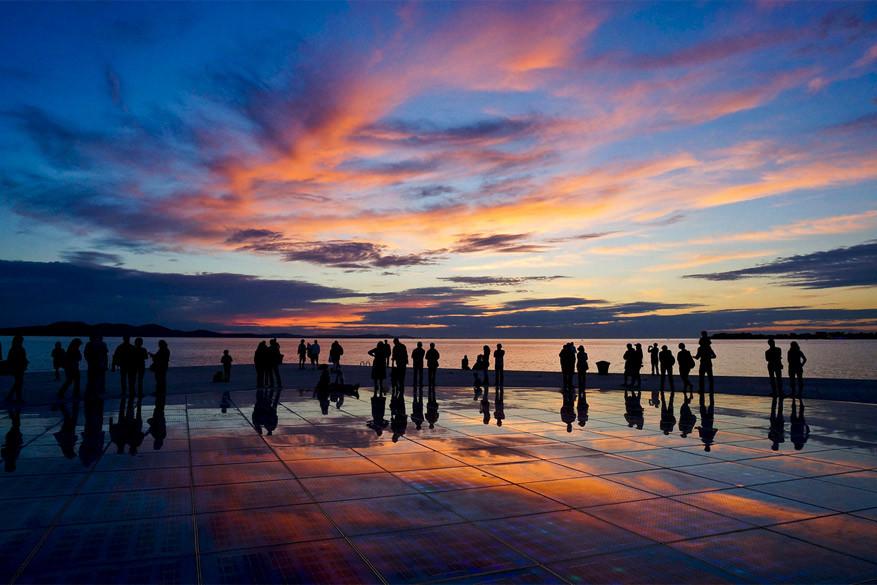 Kroatië: de zon gaat onder in Zadar. © DongHyun Choi