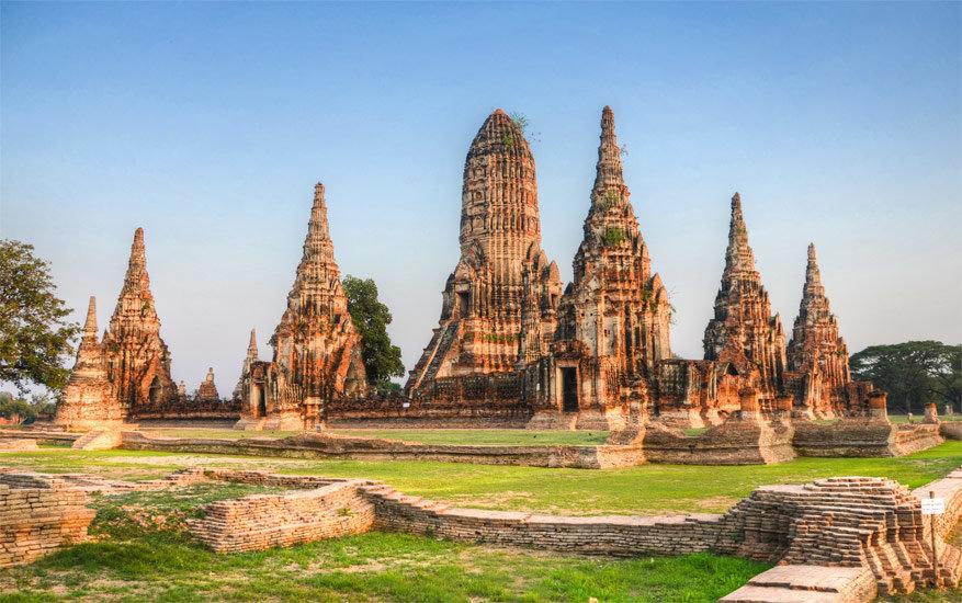 Fietsen in Ayutthaya, de vroegere hoofdstad van Thailand