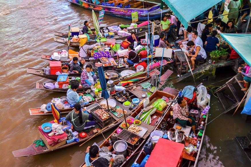 Fietsen naar de drijvende markt van Amphawa