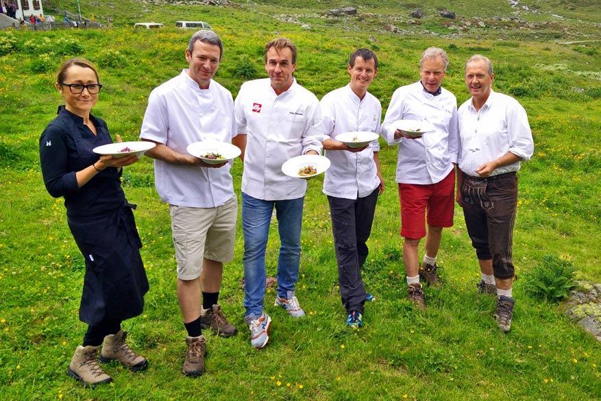 Jakobsweg: de chefs van links naar rechts: Tanja Grandits, Stephen Crane, Viki Geunes, Josef Steffner en Bobby Bräuer