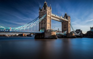 The Thames and Tower Bridge: de Orde van de Feniks, de anti-Voldemort brigade, zoeft op hun bezemstelen over de Theems en de Tower Bridge, de meest bekende brug in de stad. © Giuseppe Torre