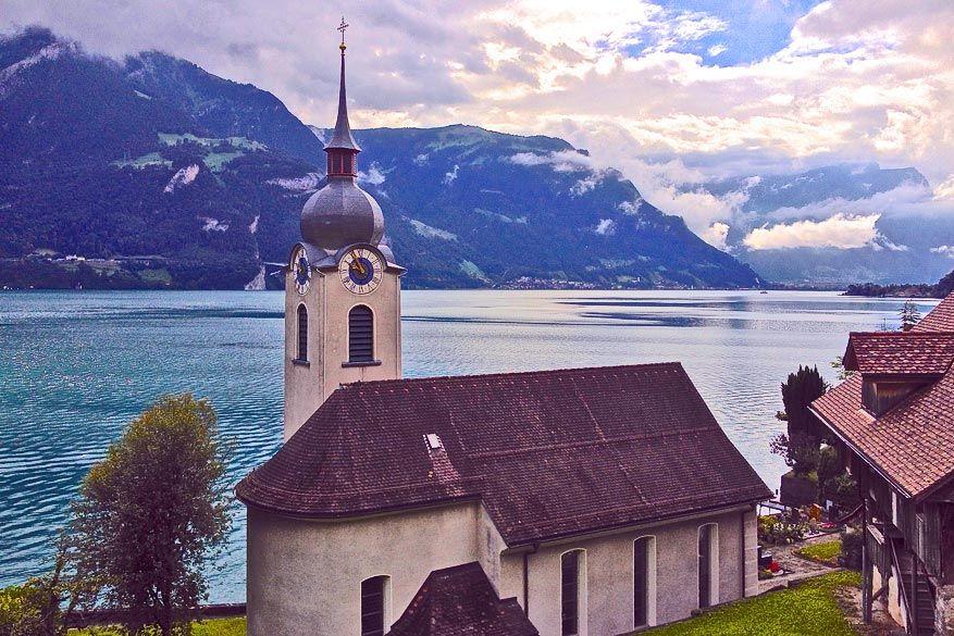 De kerk van Bauen. © Steven Loockx