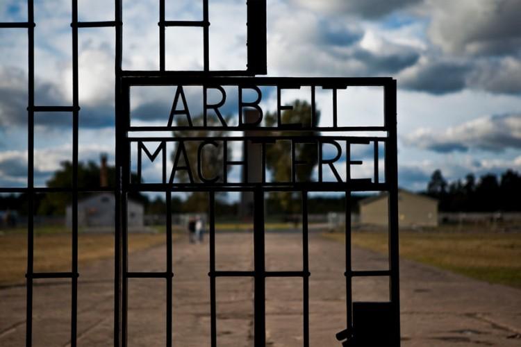 Sachsenhausen: 35 kilometer buiten Berlijn ligt dit voormalige concentratiekamp. Nu is het ingericht als museum en herdenkingsmonument dat gratis toegankelijk is. © Stefan van Kranen