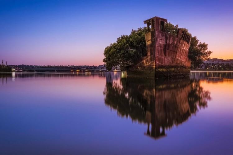 Park in een scheepswrak aan de Homebush Bay in het westen van Sydney, Austrlië © Rebecca Ramaley