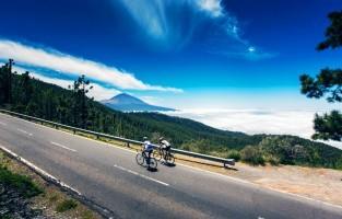 5. Fiets op verschillende niveaus Fietsers kunnen kiezen om te fietsen op zeeniveau of om de uitdagende bergtoppen te bedwingen. Ook mountainbikers vinden er mooie trajecten, met een netwerk dat het noorden verbindt met het zuidelijke deel van het eiland.