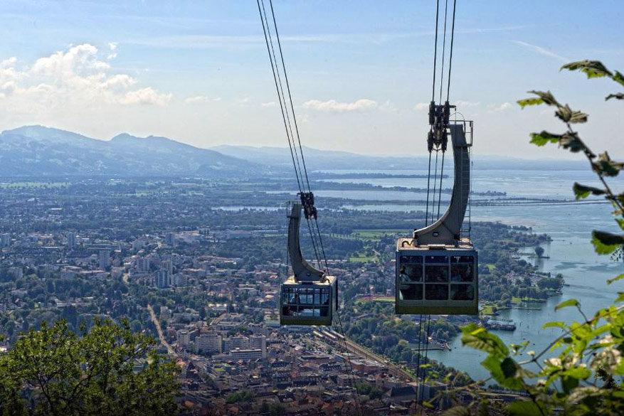 Uitzicht op Bregenz vanuit de kabelbaan