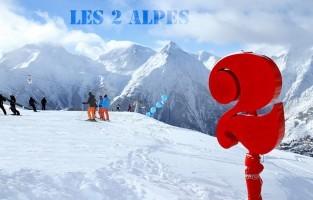 Les 2 Alpes: het sneeuwzekere skigebied Les 2 Alpes gaat voluit voor de onvergetelijke winterherinnering. Op 3.400 meter op de top van de gletsjer werd namelijk een zwevend glasplatform of 'skywalk' gebouwd dat een 360° uitzicht biedt. Nog nieuw is een tripje met de sneeuwopruimer. Vanaf 2.600 meter hoogte klimt het gevaarte naar de hoogste 3.600 meter met jou en een professioneel team aan boord. Onderweg geniet je van een indrukwekkende zonsondergang! Meer info: www.les2alpes.com/nl/