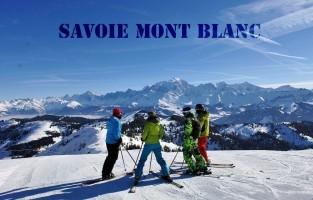 Savoie Mont Blanc: met 18 skigebieden, 116 skistations en pistes die onderling met elkaar verbonden zijn, is het niet moeilijk dat dit de meest bezochte skibestemming in Frankrijk is. Hier zijn de mogelijkheden ook redelijk eindeloos: glijden met Sled Dogs of een Ski Bob, 's nachts skiën met latten die met LED-lampjes lichtgeven en zelfs Pokemon Go liefhebbers kunnen zich laten gaan op de latten. Honger zal je hier ook niet lijden. Wist je dat er 34 sterrenchefs het beste van zichzelf geven in de Franse keukens van Savoie Mont Blanc? Meer info: www.savoie-mont-blanc.com